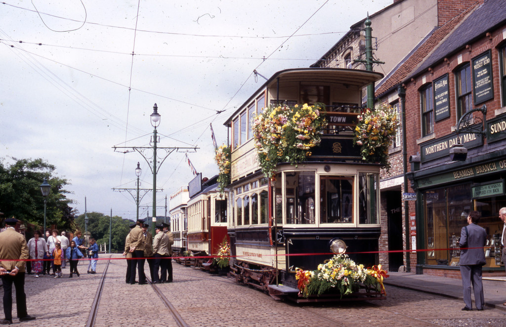 264 led the procession of trams that celebrated the opening of the full circle of tramway at Beamish on the 24th June 1993. It is seen here suitably decorated for the occasion, with 196 and 31 behind